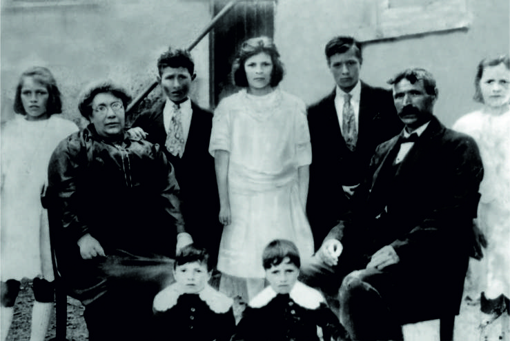 Old photo of the 'Nancys' family